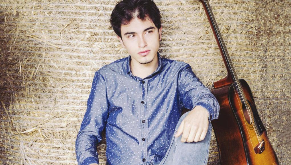 Il giovane musicista Pasquale Schiraldi, in arte Paky