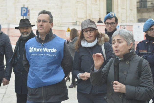 L'assessore Rosa Calò e il presidente di Fare Verde Beppe Cazzolla.
