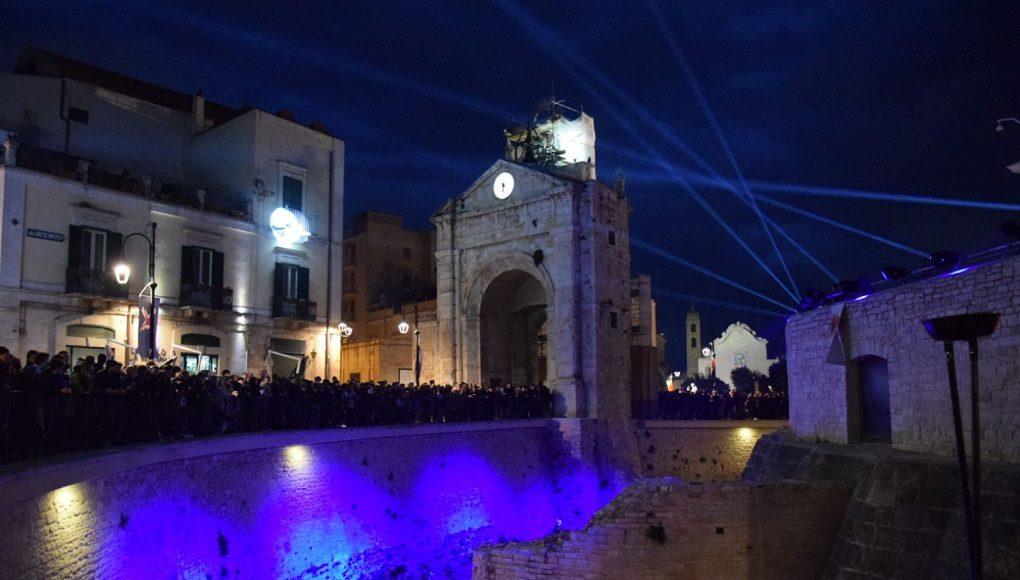 Piazza Cavour Le cronache del trono