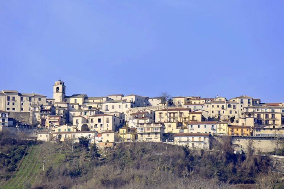 La catena del Partenio guarda Napoli ed ecco il vallo di Lauro