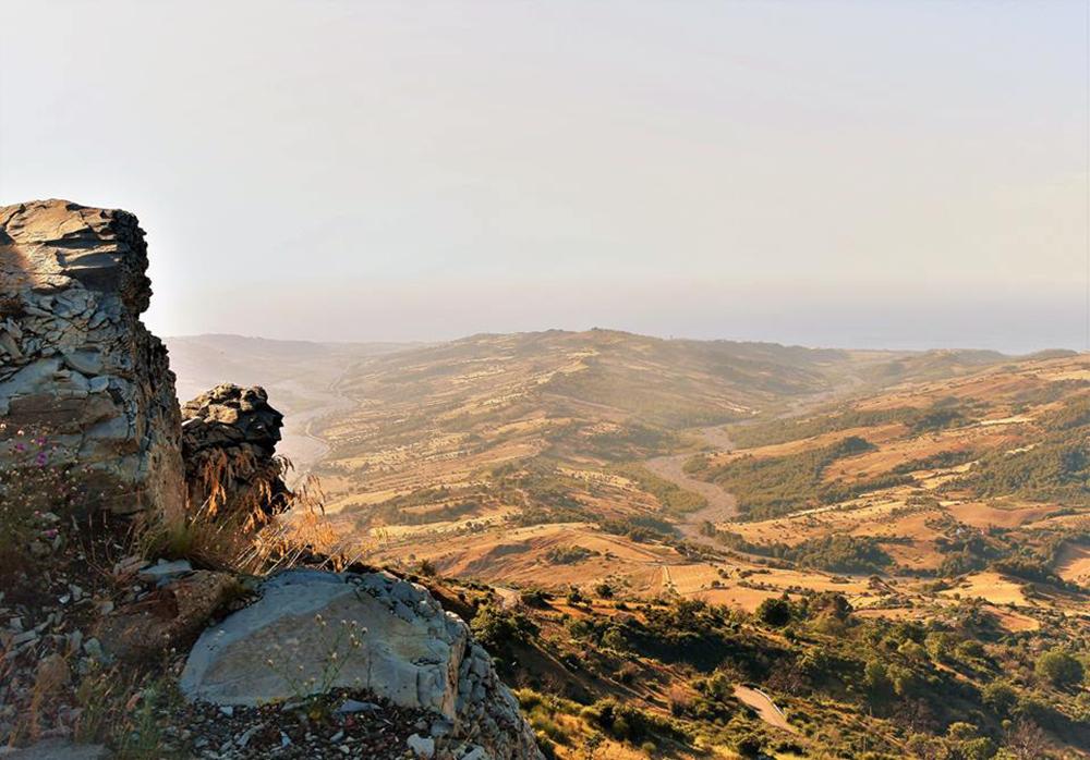 Tra natura, storia e folclore, l'Albania calabrese di Castroregio